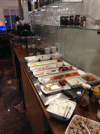 Hotel Rivoli Jardin: breakfast deli items