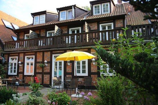 Hotel Garni St. Georg: Gartenseite