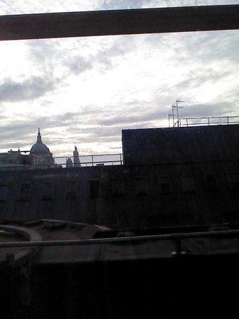 Premier Inn London Blackfriars (Fleet Street) Hotel : vue de la chambre