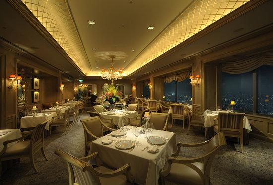 Le Ciel : フランス語で「天空」を意味する 68Fフレンチレストラン「ル シエール」