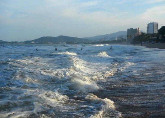Sheraton Nha Trang Hotel and Spa: это пляж