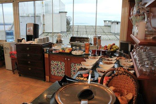 ARN Aruna Hotel : BREAKFAST