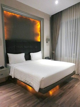 V Residence Hotel and Serviced Apartment : ベッドルーム