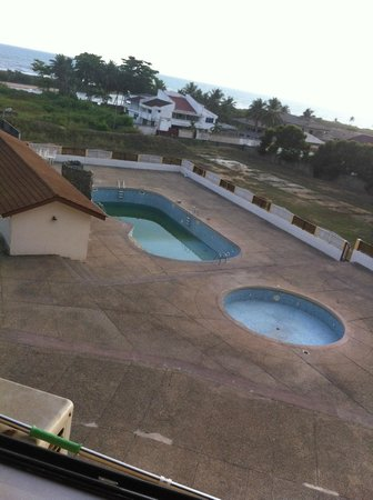Takoradi Beach Hotel: Lovely Pool (for Mosquitos)