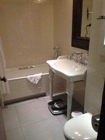 Hotel Le 123 Elysées - Astotel: Salle de bains