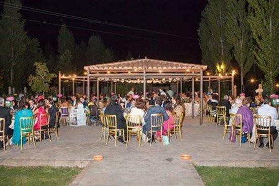 Hacienda Zorita Wine Hotel & Spa : cena en el jardin