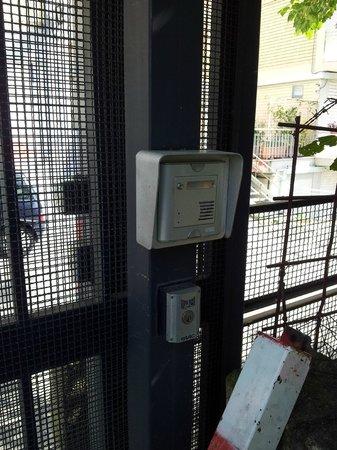 Hotel San Paolo : ingresso parcheggio del albergo