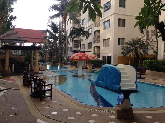 Hin Nam Sai Suay: Apparentemente bella ma non ci batte il sole!!!!!!è una fregatura!!!