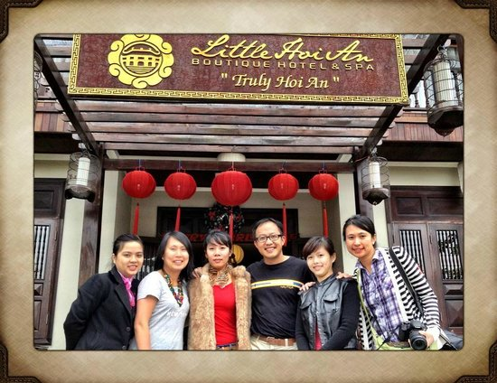 Little Hoian Boutique Hotel & Spa: Photo with staff