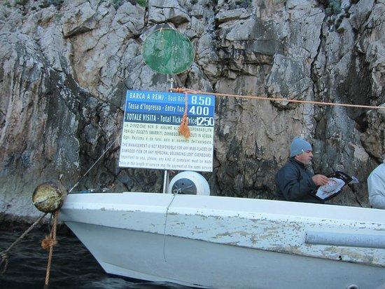 Blaue Grotte (Grotta Azzurra): 青の洞窟・・・洞窟入場料金表?