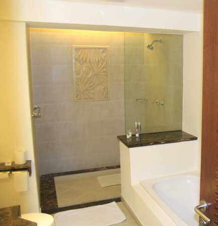 Padma Resort Legian : Bathroom