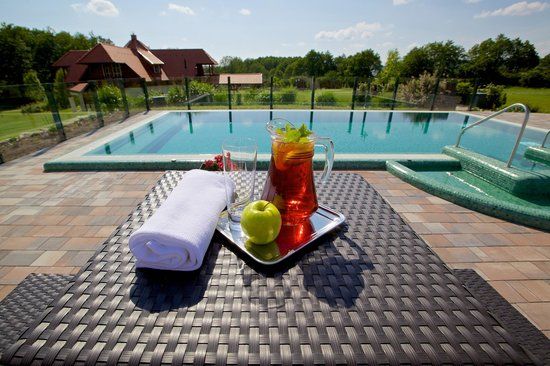 Forest hills hotel golf zirc hongrie voir les for Piscine forest hill