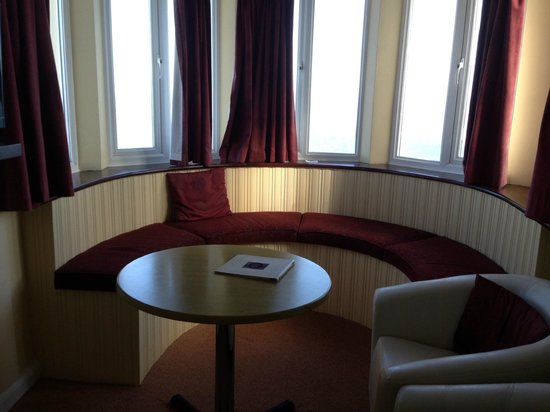 The Cliftonville Hotel: the turrett in honeymoon suite