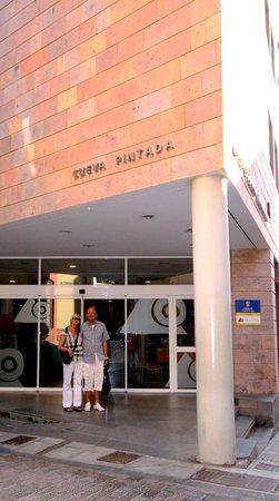 Museo y Parque Arqueologico Cueva Pintada : Entrada principal