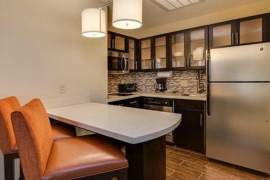 Staybridge Suites Atlanta Airport  Kitchen in Guestrooms. Two Bedroom suite  King Bed   Picture of Staybridge Suites Atlanta