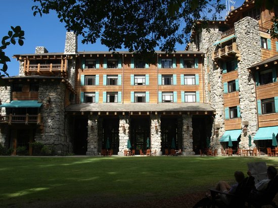 The Ahwahnee : Awhanee Hotel rear view