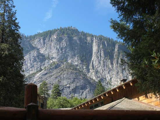 The Ahwahnee : Typical view from the Awhanee grounds
