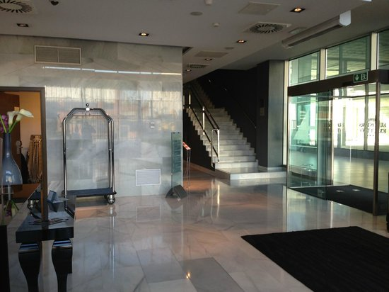 Eurostars Executive : Hall del hotel
