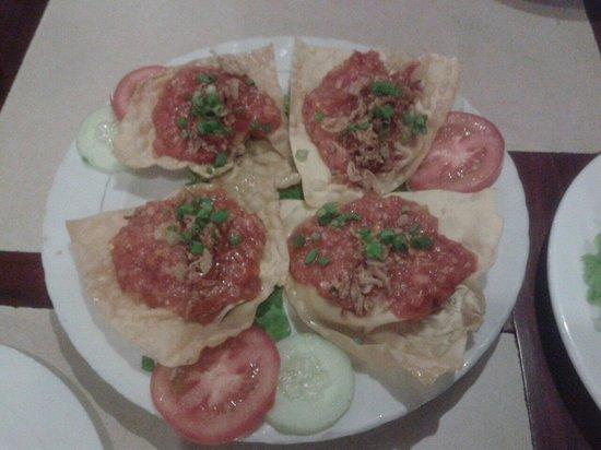 Restaurant 328 : Wonton con salsa de tomate