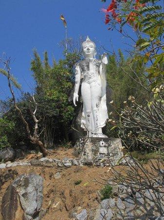 Wat Khao Krailas: Buddhastatue