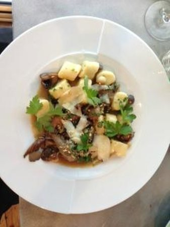 Kitchen Market : Mushroom gnocchi with truffle oil
