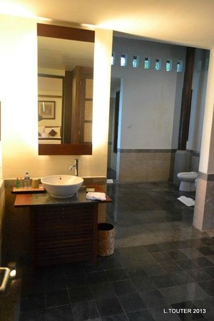 Puri Candikuning Retreat: Suite
