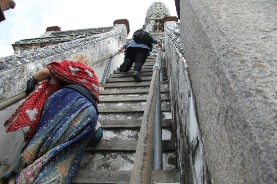 Wat Arun (Tempel der Morgenröte): LA tostissima scalinata