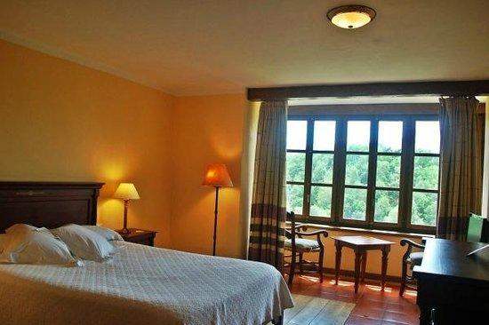 La Montana Magica: Una de las habitaciones, todas son distintas, pero igual de encantadoras...