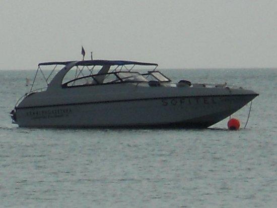 Sofitel Krabi Phokeethra Golf & Spa Resort: Hotel boat