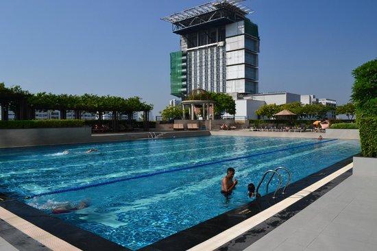 Pathumwan Princess Hotel: Swimming-pool