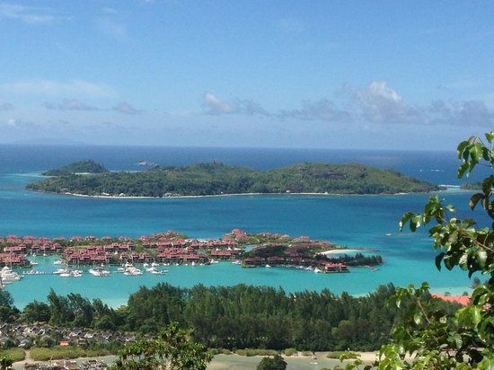 L'Habitation Hotel : View of cerf  from mahe