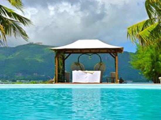 L'Habitation Hotel : Small civil wedding kiok set up