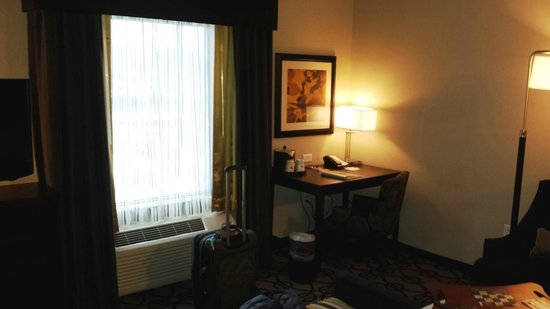 Hampton Inn & Suites Columbia / South: ROOM 110