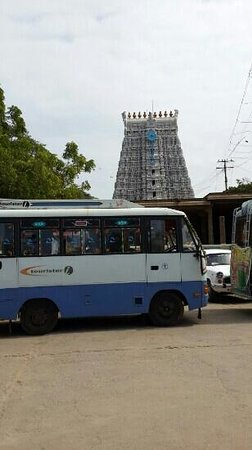 Thiruchendur main Gopuram