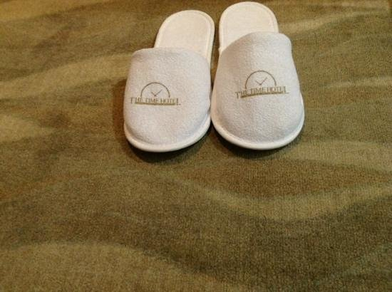 The Time Hotel Old City : slippers