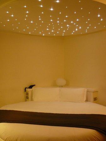 Hotel Coppe: camera con letto tondo