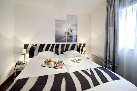 Inter-Hotel Rueil Centre: Chambre Supérieure Lits Jumeaux