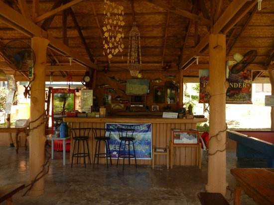 Majika's Island Resort: The Bar