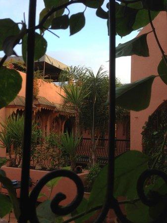 Riad Amira Victoria: second inside courtyard