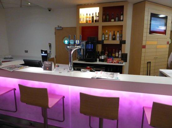 ibis Manchester Centre 96 Portland Street (new ibis rooms) Hotel: BAR