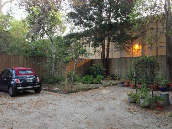 63 Orange Street Bed and Breakfast: Parking area