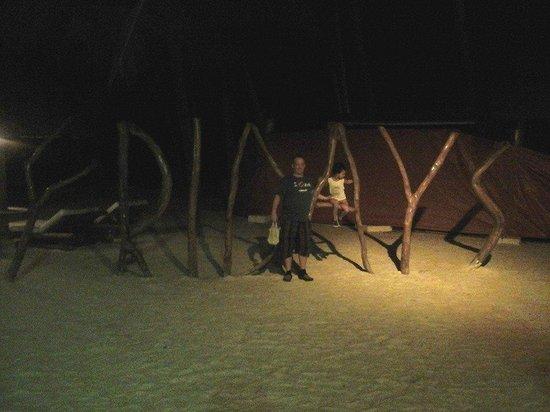 Fridays Boracay Restaurant: Friday's sign on beach