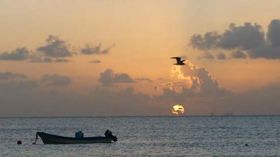 Hotel Real del Mayab: Sunrise at Playa del Carmen #2