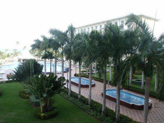 Hotel Riu Palace Aruba: I giardini e le fontane