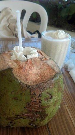 La Playita Restaurant & Bar: The infamous Coco Loco!