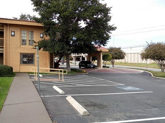 La Quinta Inn San Antonio Vance Jackson: Frontside