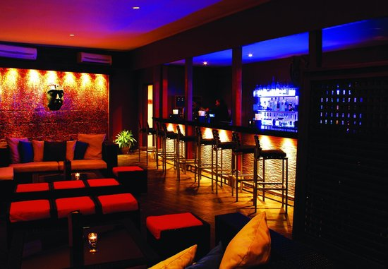 Fusion Restaurant and Lounge: Inside Lounge