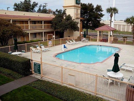 La Quinta Inn San Antonio Vance Jackson: Pool