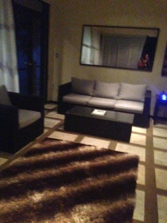 Rancho Pacifico : living room