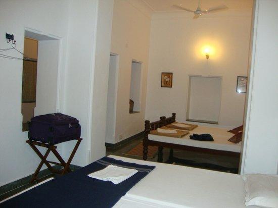 Hotel Aashiya Haveli: Room